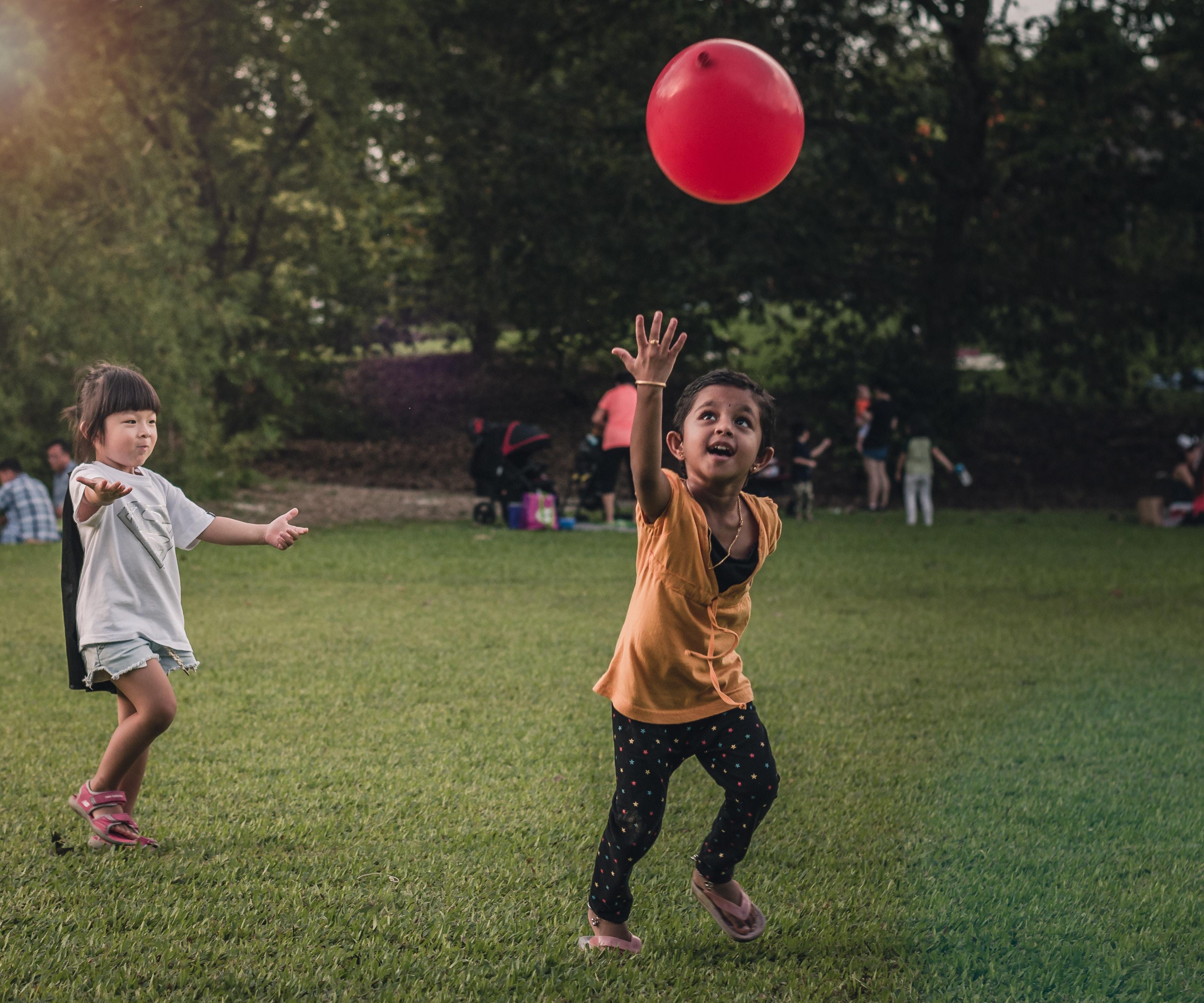 Quanto tempo uma criança brinca ao ar livre hoje?